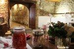 Le petit bar peut être utilisé par les enfants, ou il peut faire office de loges pour des animations dans la grande salle Amiral.