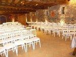 La café daccueil est servi dans la salle Magnolia ou dans la cour du Château, la réunion dans la salle Amiral ou Magnolia selon le nombre de personnes, et le repas dans une des deux salles.L espace est entièrement privatisé pour votre manifestation.