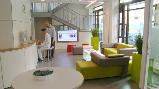 cyan a nantes portrait d 39 une agence innovante en vid o cr dit agricole atlantique vend e. Black Bedroom Furniture Sets. Home Design Ideas